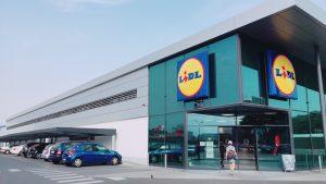 セビージャ郊外の巨大スーパー