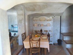 当時を再現した洞窟の家