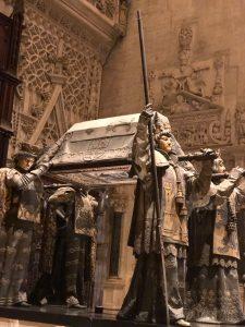 セビーリャ大聖堂内にあるコロンブスの棺